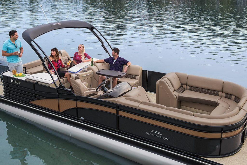 Bennington Pontoon Boat with rear bar