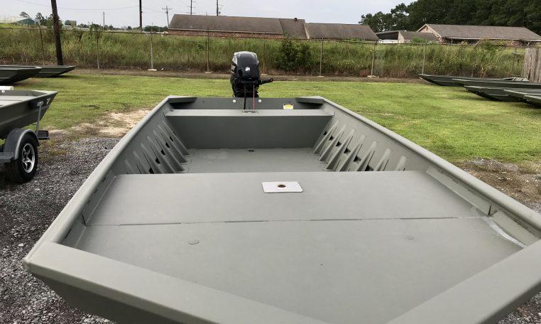 WeldCraft Boats Dealer 17' Large Front Fishing Deck