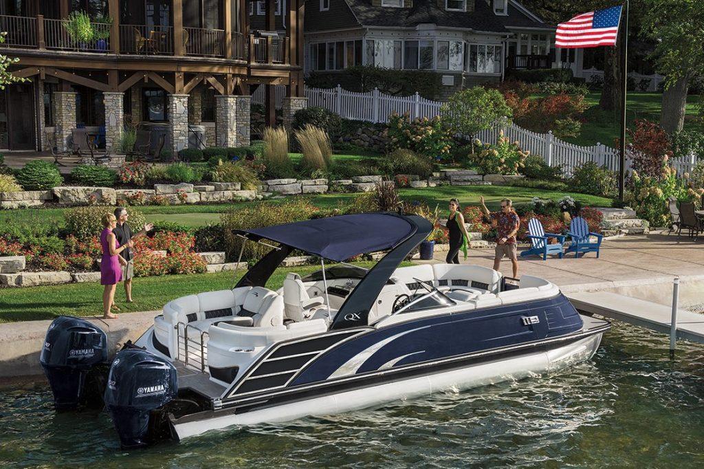 Bennington Pontoon Boat QX Series Luxury Performance