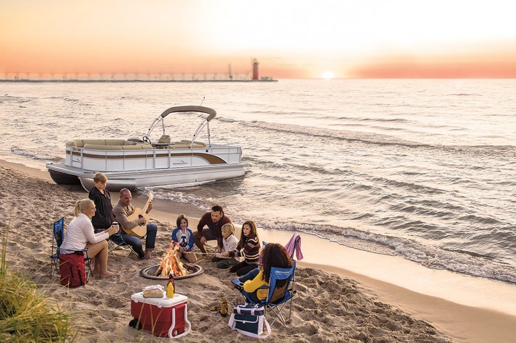 Pontoon Boat Family Beach Bennington SX Series